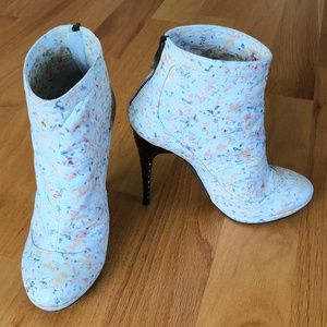 Nina Ricci Floral Boots Size is 37.5
